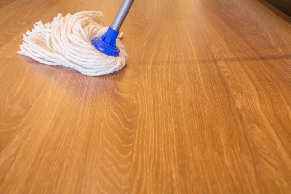 correct cleaning method of vinyl flooring