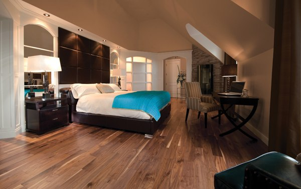 Beautiful vinyl flooring in bedroom